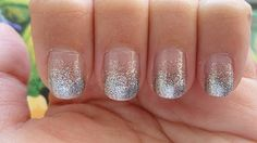 Tutorial on how to create an ombre effect on your nails with glitter. Super fast and super easy!