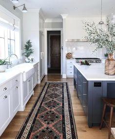 Modern Kitchen Interior Remodeling Tartan Builder's kitchen - Park and Oak Interior Design - Classic Kitchen, New Kitchen, Kitchen Decor, Kitchen Grey, Kitchen Runner, Awesome Kitchen, Timeless Kitchen, Kitchen Paint, Vintage Kitchen