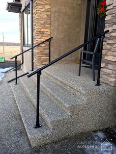 Savvy and Inspiring outdoor stair cable railing you& love Diy Exterior Handrail, Porch Handrails, Outdoor Stair Railing, Metal Stair Railing, Concrete Staircase, Stair Handrail, Exterior Stairs, Staircase Railings, Concrete Steps