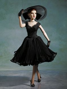 """2008 """"Portrait of Glamour"""" - OUTFIT ONLY, DeeAnna Denton 17',T8DDOF01, LE300, $99.99, Tonner Doll Company"""