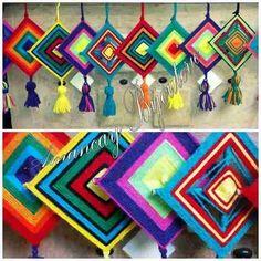 Yaratıcı Projeler: MANDALA Yarn Crafts, Diy And Crafts, Arts And Crafts, Paper Crafts, Animal Crafts For Kids, Art For Kids, God's Eye Craft, Gods Eye, Weaving Projects