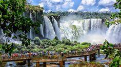 Parque Nacional Iguazú – Misiones  Misiones es una de nuestras provincias favoritas a la hora de explorar un país tan diverso como Argentina. En Misiones, el verde de la naturaleza se muestra en estado puro.