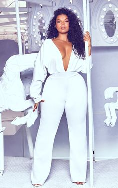 Welcome the new season with our catwalk inspired plus size clothing range. From sculpting dresses to flattering tops, shop plus size fashion at PLT USA. All White Party Outfits, All White Outfit, Plus Size White Outfit, Plus Size White Jumpsuit, Plus Size Jumpsuit, Look Plus Size, Plus Size Women, Curvy Girl Fashion, Plus Size Fashion