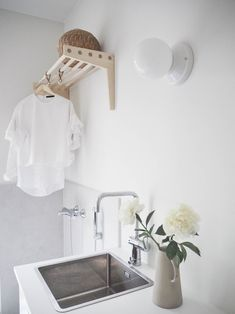 lainahöyhenissä Interior, Nordic Interior Bedroom, Bedroom Interior, Laundry Room Decor, Living Room Scandinavian, Home Decor, Room Inspiration, Nordic Living Room, Cozy Living Rooms