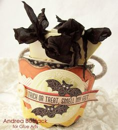 Trick or Treat Gift Set from #GlueArts and Designer @Andrea Budjack. #Authentique papers