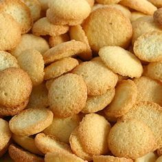 Corn cookies with coconut Bread Recipes, Dog Food Recipes, Cookie Recipes, Snack Recipes, Snacks, Biscotti Cookies, Brownie Cookies, Cake Cookies, Portuguese Desserts