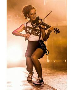 #stirlingites #lindseystirling #braveenough #shatterme #crystallize #stirling #lindsey #concert #youtube #famous #TheOnlyPirateAtTheParty #fabulous #funny #beautiful #myidol #ksll #loveher #violinist #music #violin #stirlingite #dance #musicboxtour #cute