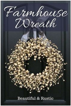 33 Best Rustic Farmhouse Wreath Ideas and Designs for 2019 Country Front Door, Front Porch, Silk Flower Wreaths, Outdoor Wreaths, Farmhouse Style Decorating, Farmhouse Decor, Rustic Decor, Diy Wreath, Wreath Ideas