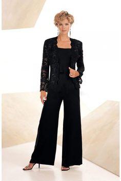 Elegant pants suits ideas for weddings (18)