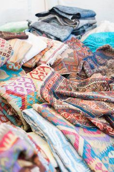 Fun rugs: http://www.stylemepretty.com/living/2015/07/01/flea-market-edit/   Photography: Erin McGinn - erinmcginn.com