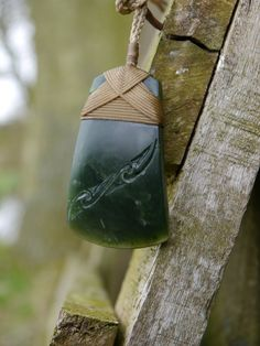 Maori Designs, Maori Symbols, Jade, Maori People, Carving Designs, Crystal Magic, Bone Carving, Wire Wrapped Jewelry, Stone Jewelry