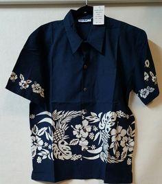 Club Med Size Large Blue Hawaiian Shirt Floral Chest Pocket 100% Cotton #ClubMed #Hawaiian