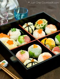 Temari Sushi is a casual sushi you can make at home and is named after the children's toy ball. So pretty! by justonecookbook #Sushi #Temari_Sushi #justonecoookbook