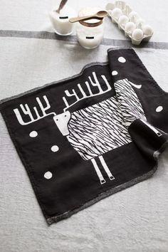 Lapuan Kankurit Usva tablecloth and Poro towel