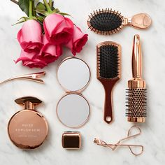 Hair Care Advice That Will Keep Your Hair Looking Great - Useful Hair Care Tips and Guide Primark, Rose Gold Aesthetic, Deco Rose, Hair Tools, Pink And Gold, Gold Gold, Girly Things, Hair Beauty, Hair Accessories