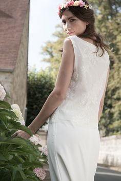Top et jupe de mariée en dentelle. collection www.aufildelise.com