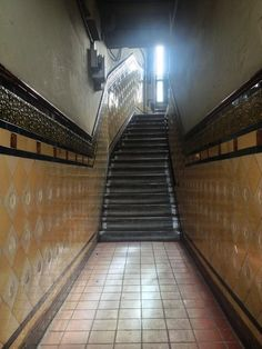 #southside of #glasgow. #heritage #tenement #tiles #wallyclose #vintage #interior #design #decor #scotland #stairs