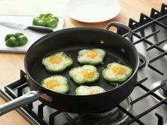 Fried egg in a pepper ring