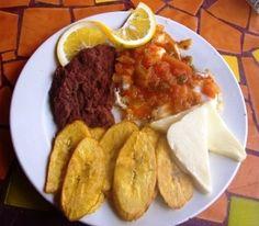plato tipico de nicaragua vigoron - Buscar con Google