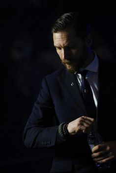 Tom Hardy in Peaky Blinders Tom Hardy Imdb, Tom Hardy Fotos, Peaky Blinders, Style Dandy, Gq Style, Style Hair, Style Gentleman, Style Masculin, British Academy Film Awards