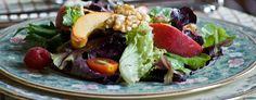 Maaltijdsalades passen uitstekend in een gezonde leefstijl, omdat er veel groenten in verwerkt kunnen worden. Om een lekkere en gezonde maaltijdsalade te maken zijn er wel wat spelregels.