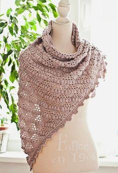 Ravelry: Grape Shawl crochet pattern by Mon Petit Violon Cute Crochet, Crochet Hooks, Knit Crochet, Crochet Afghans, Crochet Shawls And Wraps, Crochet Scarves, Shawl Patterns, Crochet Patterns, Crochet Ideas
