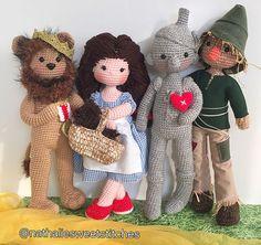The wowed Wizard of Oz characters. Crochet Patterns Amigurumi, Amigurumi Doll, Crochet Dolls, Knit Or Crochet, Crochet Gifts, Crochet Baby, Yarn Projects, Crochet Projects, Crochet Ninja Turtle