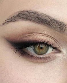 52 Ideas Makeup Eyeshadow Hazel Eyes Eyebrows #makeup #DiyEyeCream Hazel Eye Makeup, Dramatic Eye Makeup, Eye Makeup Steps, Hooded Eye Makeup, Cat Eye Makeup, Makeup For Green Eyes, Blue Eye Makeup, Smokey Eye Makeup, Makeup Eyeshadow