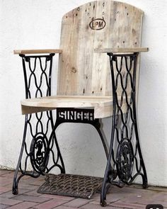 Comment recycler les anciennes machines à coudre How to recycle old sewing machines How to recycle oldMachine Foot RecyclingMachine sewing + to + + recycled Small Woodworking Projects, Learn Woodworking, Woodworking Workbench, Woodworking Workshop, Popular Woodworking, Diy Wood Projects, Woodworking Crafts, Woodworking Furniture, Youtube Woodworking
