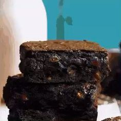 These fudgy homemade brownies feature crisp, crackly tops and chewy, dense, super chocolaty centers. If you want decadent brownies that taste leagues better than boxed mix but don't require a ton of effort, this is the brownie recipe for you! Homemade Brownies, Fudgy Brownies, Homemade Desserts, Brownie Recipes, Dessert Recipes, Recipe Maker, Brownie Cake, Clean Eating Snacks, Food Videos
