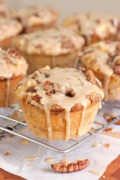 Salted Caramel Apple Muffins with Pecan Streusel - Moist apple cinnamon muffins, topped with butter-y pecan streusel and drizzled with rich salted caramel sauce Fruit Recipes, Muffin Recipes, Baking Recipes, Dessert Recipes, Apple Desserts, Fall Desserts, Apple Cakes, Applesauce Muffins, Apple Muffins
