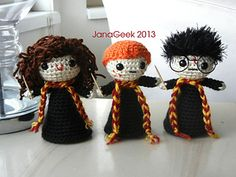 """It's Harry, Ron, and Hermione as adorable, squishable yarn dolls! Create your own magical trio of """"ickle firsties"""" with a kawaii look (big-head/small body) and little Gryffindor scarves and wands."""