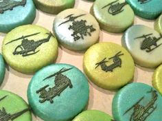 Erin – thought you'd like this! Erin – thought you'd like this! Camo Cookies, Iced Cookies, Royal Icing Cookies, Cupcake Cookies, Sugar Cookies, Helicopter Birthday, Yummy Treats, Sweet Treats, Army Cake