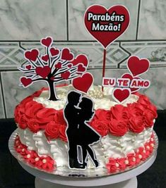 Valentines Day Cakes, Happy Valentines Day, Candy Birthday Cakes, Birthday Cartoon, Fondant Figures, Occasion Cakes, Love Cake, Cake Art, Cake Designs