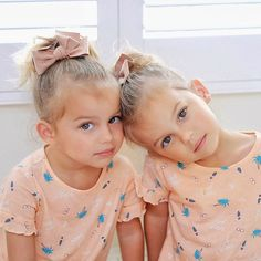 """Jaelynn & Angelina Bader on Instagram: """"When we go out the first thing Jaelynn says to people is """"We're twins!"""" 😂 Can you guys tell us apart? Here's a hint: we are sitting on the…"""" Look Back At Me, Child Models, My Images, Cute Babies, Going Out, Twins, Guys, People, Baby"""