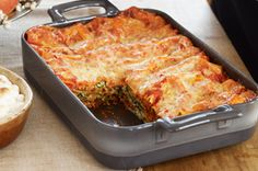 Spinach-Mushroom Lasagna with Red Pepper Marinara Recipe - Kraft Recipes Spinach Mushroom Lasagna, Spinach Stuffed Mushrooms, Stuffed Peppers, Kraft Recipes, Beef Recipes, Vegetarian Recipes, Pasta Recipes, Baked Lasagna, Cheese Lasagna