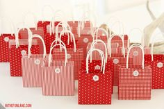 Turn your tree into an advent calendar with our JULMYS gift bags!