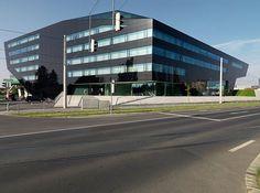 black-facade-headquarter-picture3