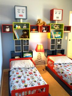 Robots toddler bedroom on pinterest robots robot art for Robot baby room decor