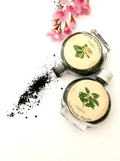 14 Zero Waste Makeup Options For Glamming Up And Going Green Image by Dab Herb Makeup Organic Makeup, Natural Makeup, Natural Beauty, Organic Beauty, Make Up Marken, Mascara, Eyeliner, Bare Beauty, Organic Cleaning Products