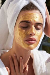 All of us desire to have clear skin, but those little parasites named blackheads occur between our wishes. Blackheads are Natural Hair Mask, Natural Hair Styles, Mascara Hacks, The Face, Makes You Beautiful, Facial Hair, Face Skin, Face Care, Teeth Whitening