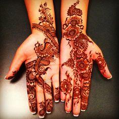 Brampton Mehndi Services by Shivani | Bridal Henna for Eid Karwa Karva Chauth Mississauga Mehndi Artist in toronto Henna Artist in toronto Mehndi Services in toronto Mehendi Party Heena night traditional arabic designs Wedding top 10 Artist henna lady - Henna Art by Shivani | Bridal Mehndi Artist in Mississauga
