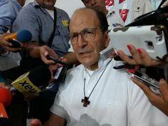 Más de 150 presos centroamericanos, en cárceles de #Veracruz;  @padresolalinde http://www.versiones.com.mx/mas-de-150-presos-centroamericanos-en-carceles-de-veracruz-la-mayoria-son-inocentes-asegura-alejandro-solalinde/…
