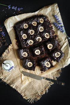 Najlepsze brownie bananowe bez mąki. Ciasto czekoladowe FIT. Sweets Recipes, Easter Recipes, Easter Food, Vegetarian Recipes, Healthy Recipes, Healthy Food, Cakes And More, Clean Eating, Good Food