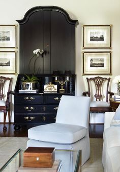 Living Room by Robert Brown Interior Design of Atlanta