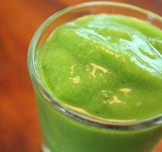 green smoothie machine