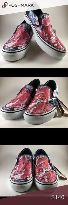 online retailer f14db c6140 Shop Men s Vans size Loafers   Slip-Ons at a discounted price at Poshmark.  Description  Vans x Rollicking Vintage Aloha Slip-On Hyakutora - Japan  Release ...