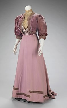 whenasinsilks:    Afternoon suit, Jeanne Paquin, wool, lace,silk satin and silk velvet trimmed with soutache, 1906-08, French. Metropolitan Museum of Art accession no. 2009.300.1350a–c