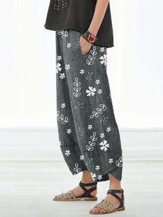 Casual Floral Printed Pockets Women All Season Pants – Modbutton Online Store Cotton Pants, Linen Pants, 2020 Fashion Trends, Loose Pants, Floral Pants, Printed Pants, Printed Linen, Mode Inspiration, Mode Outfits