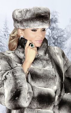 fur fashion directory is a online fur fashion magazine with links and resources related to furs and fashion. furfashionguide is the largest fur fashion directory online, with links to fur fashion shop stores, fur coat market and fur jacket sale. Fur Fashion, Fashion Photo, Winter Fashion, Womens Fashion, Glamour, Chinchilla Pelz, Fabulous Furs, Style Guides, Mantel